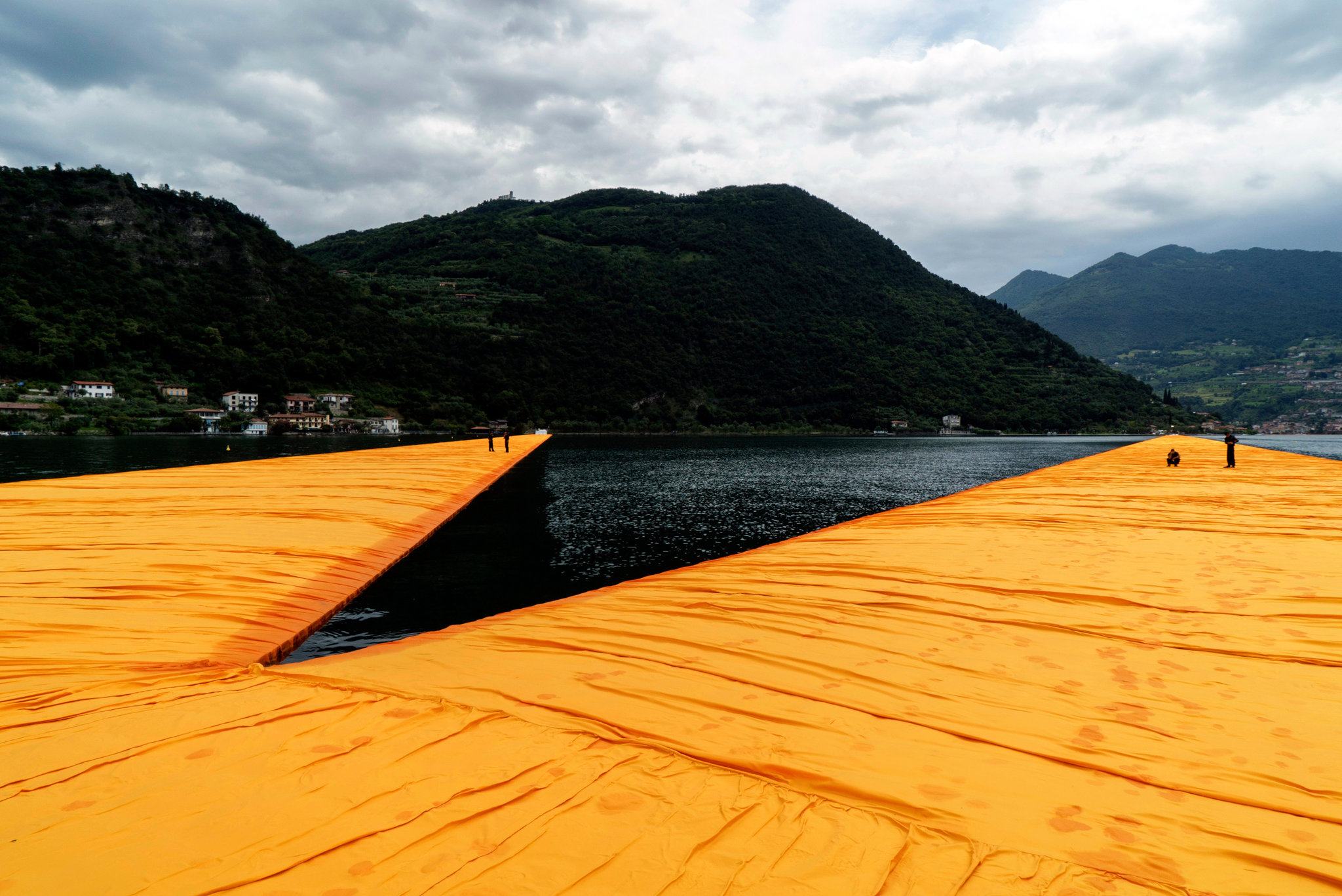 17christo-angle-superJumbo